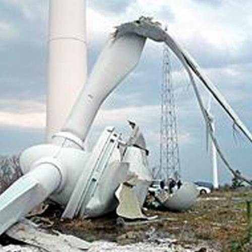 風力発電の風車の落下