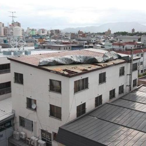 屋上防水シートのはがれ